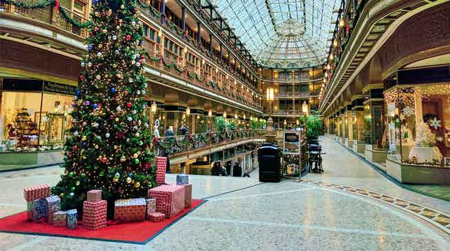 empty-shopping-centre-christmas