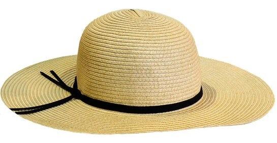A straw sun hat