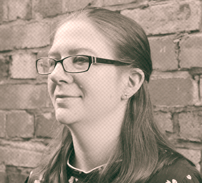 Kat Davies headshot