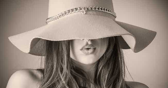 Vavavoom-woman-wearing-hat