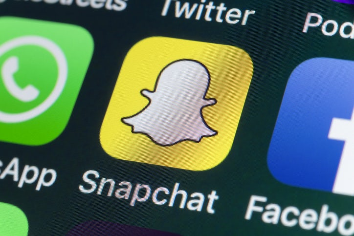 Snapchat, Facebook, Whatsapp and other phone Apps on iPhone screen