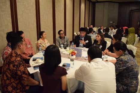 jakarta table 1
