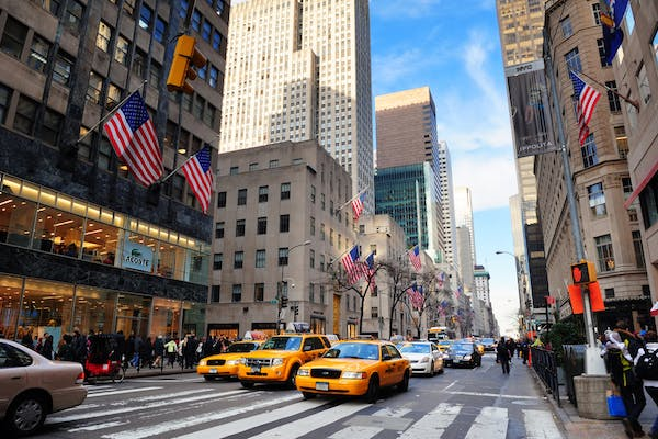 Fifth Avenue. Editorial credit: Songquan Deng / Shutterstock.com