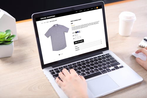 online shopping. image via shutterstock