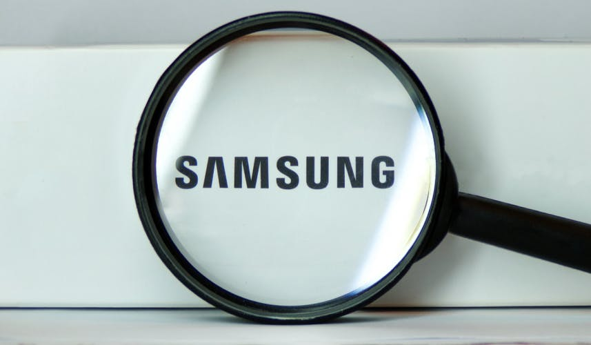 Magnifying glass over the Samsung logo